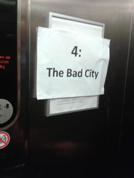 Mit dem Fahrstuhl in die Bad City (Bild: Jantje Ziegeler)