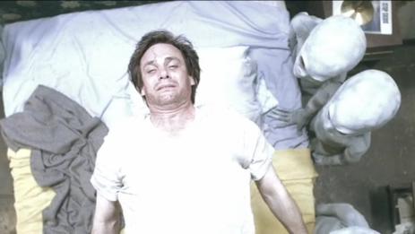Dr. Alien und seine Kollgen: Kein angenehmer Besuch aus dem All.